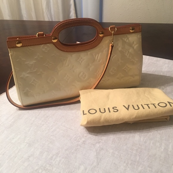 d17cab671f33 Louis Vuitton Bags   Authentic Varins Leather Bag   Poshmark